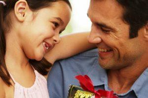 Parabéns a todos os pais! Votos Manhuaçu News