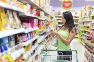 VISA alerta sobre riscos no consumo de alimentos