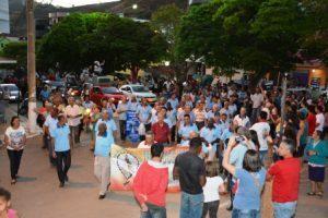 Terço dos Homens de Manhuaçu faz visita a Santa Bárbara do Leste