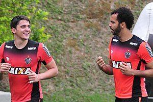 Atlético: Goleiro Giovanni liberado para jogar