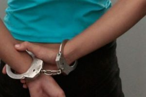 Mulher foragida da polícia é presa na Vilanova