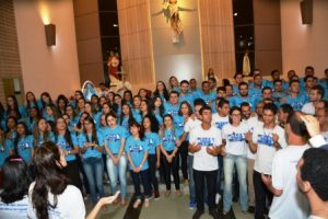 Adolescentes e jovens reunidos pelo TLC Bom Pastor