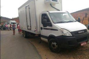 Caminhão de São João Manhuaçu se envolve em acidente. Um morto
