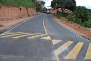 Estrada é pavimentada na Gameleira. Parceria com moradores