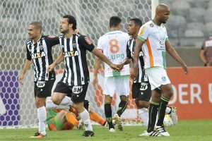 Atlético goleia e diminui diferença para o Palmeiras
