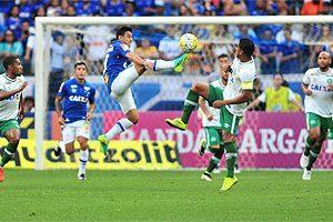 Cruzeiro empata sem gols com a Chapecoense
