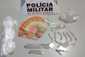 PM apreende drogas no bairro Nossa Senhora Aparecida. 3 detidos