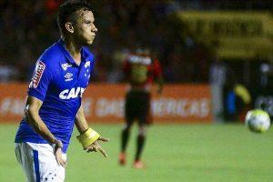 Cruzeiro vence o Sport fora de casa
