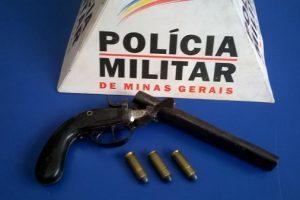 Alferes Tiradentes: PM apreende 23 armas em Manhuaçu e região