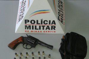 Mutum: PM apreende revólver e munições