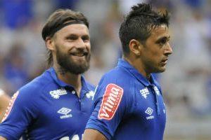 Cruzeiro vence e vai à Sul-Americana