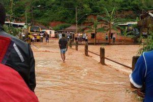 SMS alerta para risco de leptospirose após enchente em Manhuaçu