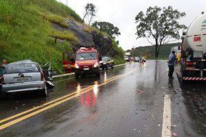 Acidente deixa 5 feridos na BR 116, em Manhuaçu