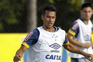 Cruzeiro treina para estreia no Mineiro no domingo