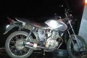 Matipó: Adolescente inabilitado é apreendido com motocicleta adulterada