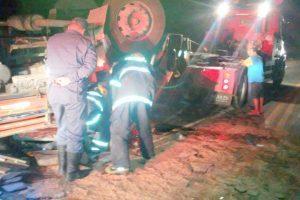 Motorista de caminhão morre na BR 262. Região da Saibreira