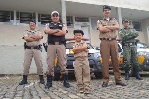 Menino que sonha ser policial é recebido no 11º Batalhão