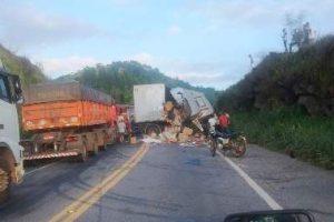 Grave acidente em Reduto. Um morto, 11 feridos