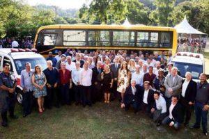 Manhuaçu recebe ônibus e ambulâncias do Governo de Minas