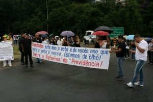 Reforma da Previdência: Professores fazem manifestação em Realeza