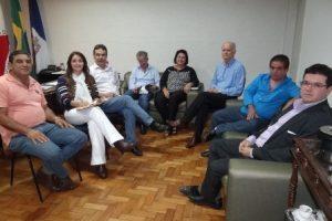 Prefeita Cici Magalhães concede reajuste de 9,4% a todos os servidores do município