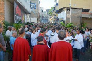 Domingo de Ramos na Matriz de São Lourenço. Veja fotos