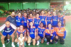 Equipe feminina de Manhuaçu é campeã da I Etapa do Circuito Mineiro de Handebol