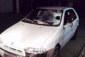 Homem morre atropelado em Reduto. Condutor foge e é localizado
