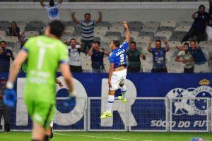 Sul-Americana: Cruzeiro derrota o Nacional de virada