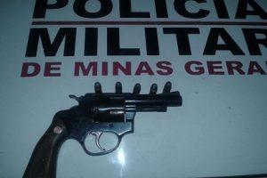 Manhuaçu: PM apreende arma de fogo durante operação