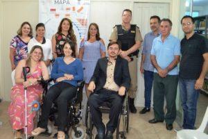 Reunião discute vagas de estacionamento para idosos e deficientes físicos em Manhuaçu