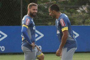 Cruzeiro treina para o clássico com a Atlético