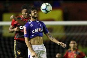 Cruzeiro empata com o Sport na Ilha do Retiro