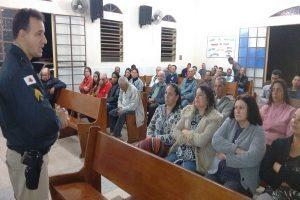 PM participa de reunião comunitária em Dom Corrêa