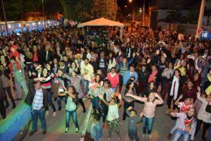 Festas Juninas na Escola Salime Nacif e AABB; Celina Borges em Reduto. Veja fotos