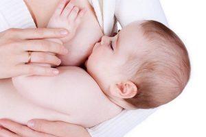 Amamentação pode reduzir substancialmente risco de câncer uterino, diz pesquisa