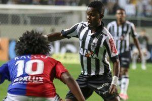 Atlético vence e avança na Copa do Brasil