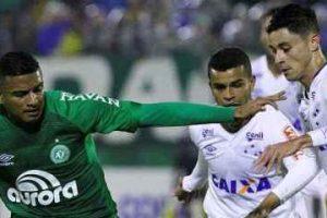 Cruzeiro segura a Chape e segue na Copa do Brasil