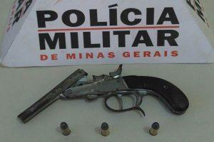 PM apreende arma de fogo em Matipó