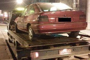 PM recupera carro furtado e apreende quatro infratores