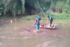 SAMAL realiza desobstrução no Rio Manhuaçu