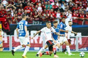 Cruzeiro e Flamengo empatam no Mineirão