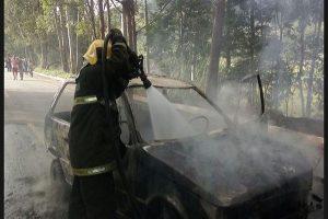 Veículo de Espera Feliz pega fogo após colisão na ES 482
