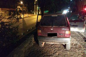 Manhuaçu: PM recupera carro furtado e prende autores