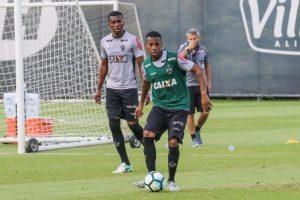 Atlético enfrenta o Fluminense no Rio nesta segunda