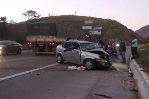 Colisão entre carro e carreta deixa uma mulher ferida na BR – 116