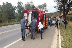 Santa Rita de Minas: Motociclista fica ferida após colisão com carro