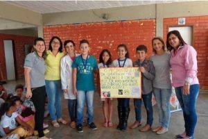Estudantes vencedores do concurso de cartazes são premiados na Ponte da Aldeia