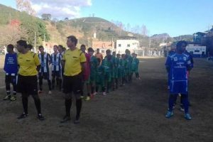 Manhuaçu: Reforma do campo de futebol Dom Corrêa é inaugurada