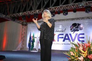 2º dia do FAVE em Matipó: Palestra com Leila Navarro, dança e abertura oficial